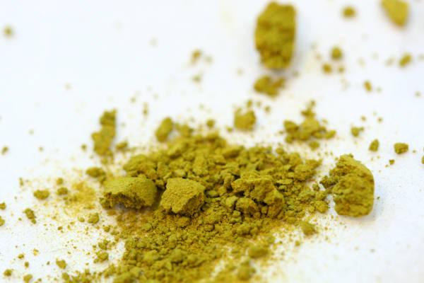 粒タイプの健康食品で賦形剤が少ないとすぐに壊れてしまう グリーンポプリ
